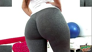 Huge Round Heavy Ass Tiny Mid-body Latina Working Out In Tight Leggings