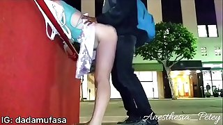 Young Bull Made Her Squirt 3 TIMES IN PUBLIC - Drunk White Mega-slut First Black Hard-on