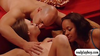 Horny swingers enjoyed massive groupsex in the red bums